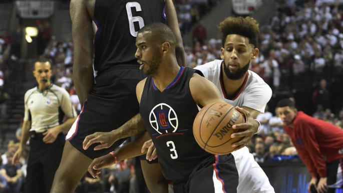 la-sp-pg-clippers-vs-trail-blazers-game-4-pictures-20160425